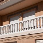Balaustre Capri con pasamano Florencia, zócalo Troya y pilar intermedio Luvre