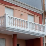 Balaustre Génova con pasamano-zócalo Troya, pilar Lisboa y pilar intermedio Pireo, remate Portugal