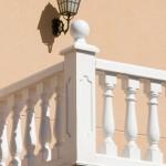 Balausre Génova con pasamano-zócalo Troya, pilar Lisboa y remate Serpis