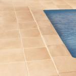 Baldosa Maro con remate de piscina Palacio