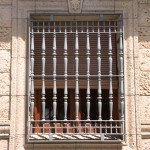 Moldura y ángulo Alcudia con clave Flor de Lys
