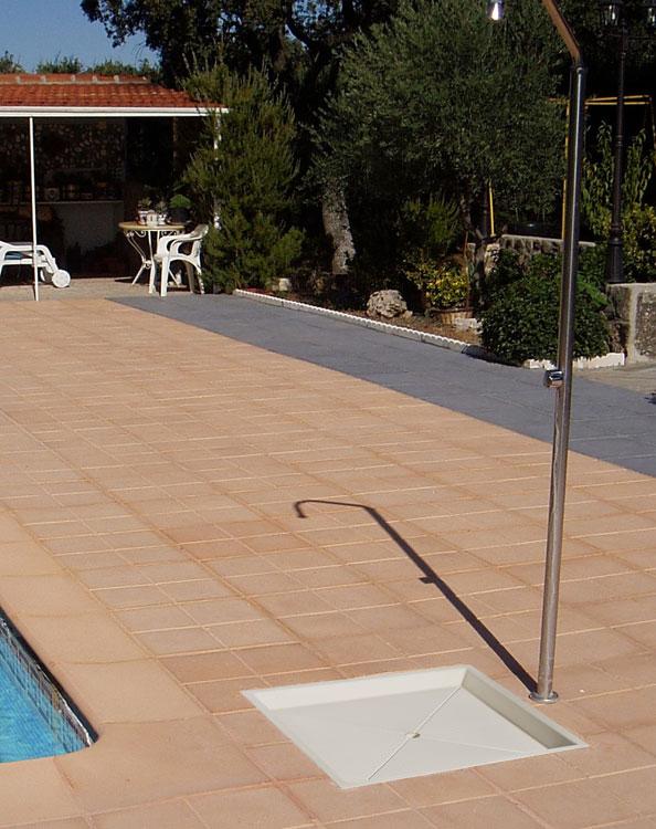 Ducha exterior piscina melody cylinder b ducha al aire - Duchas para piscina ...