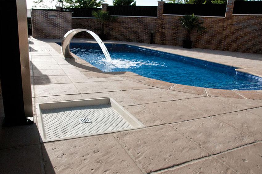 Platos de ducha verniprens - Duchas piscinas exterior ...