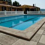 Remate de piscina Canadá y baldosa Azores musgo