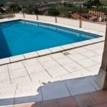 Baldosa, peldaño y remate de piscina Trena