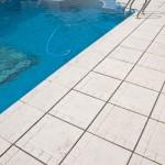 Baldosa y remate de piscina Trena