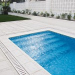 Baldosa y remate de piscina Trena con drenaje Nerja