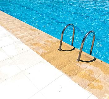 Remate de piscina Moraira Verniprens